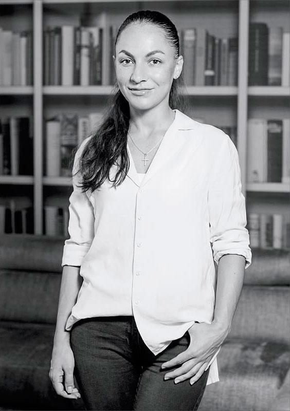 Elena Caliman